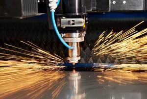 Лазерная резка с ЧПУ листового металлического проката