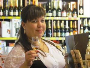 Ложник Юлия -лучший кавист Виномаркета Империя вкуса infrus.ru